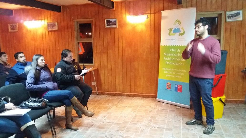 Reunion en Cuartel de Bomberos de Futaleufu